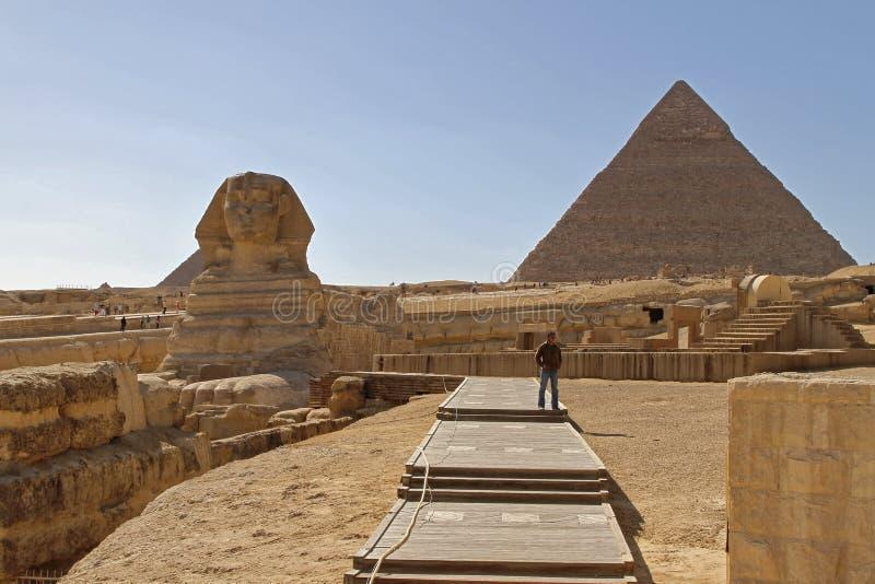 Sphinx και πυραμίδα Gyza στοκ εικόνα