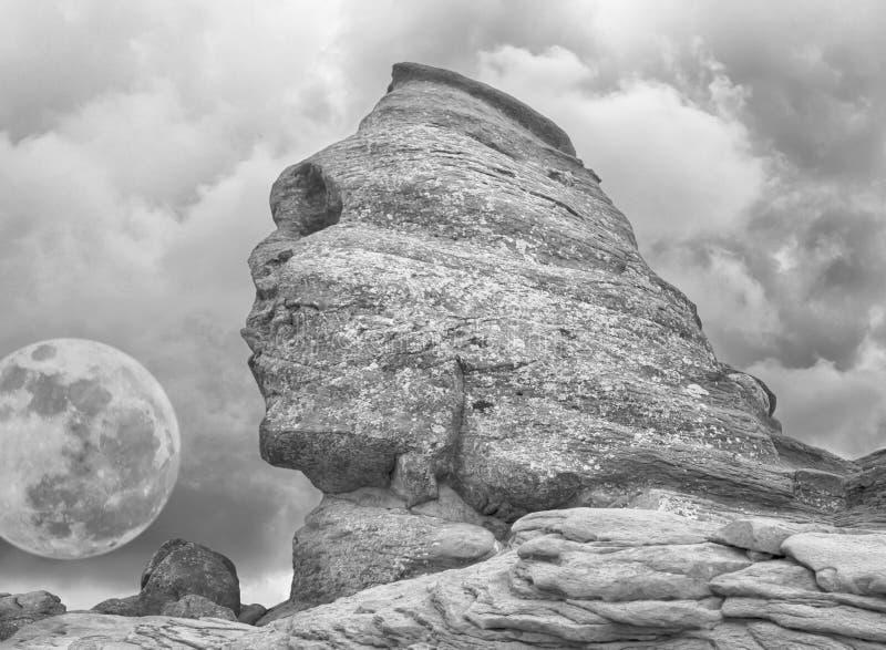 Sphinx e la luna fotografie stock