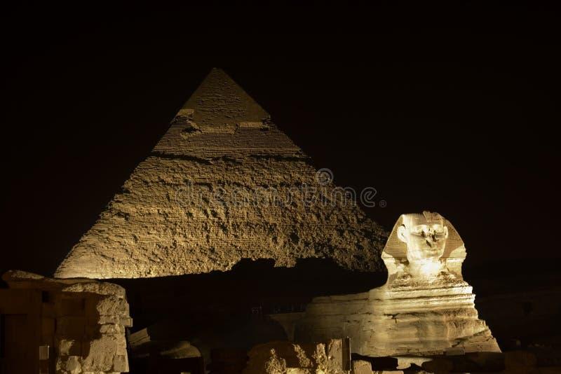 Sphinx e pirâmides de Giza imagens de stock