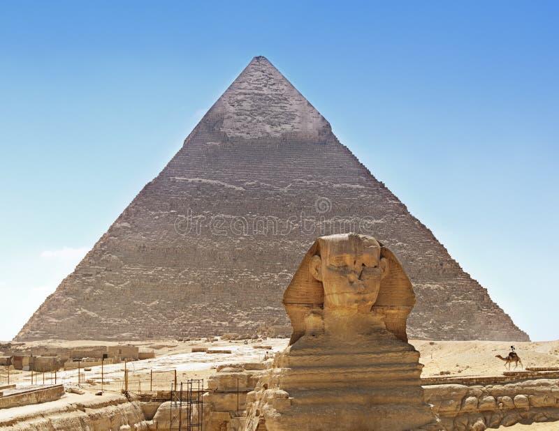 Sphinx e piramide, Egitto fotografie stock libere da diritti