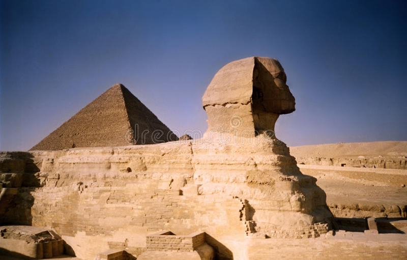 Sphinx et pyramide. l'Egypte photos stock