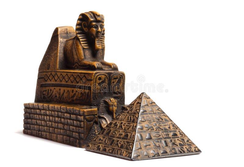Sphinx och pyramid arkivbild