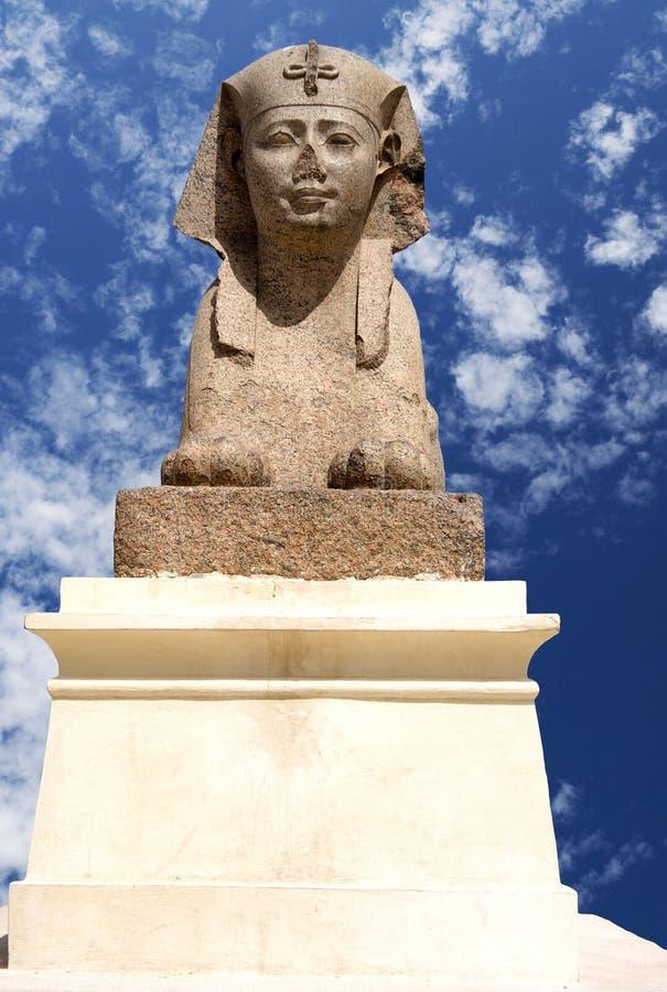 Sphinx Ptolemaic alla colonna del Pompey, Egitto immagini stock libere da diritti