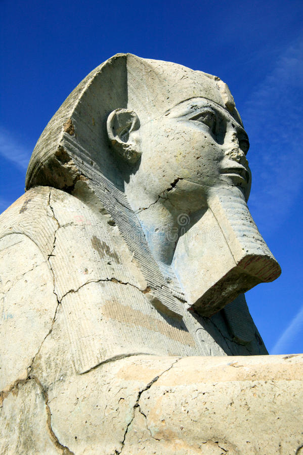 Sphinx-Skulptur im Kristallpalast-Park stockfotos