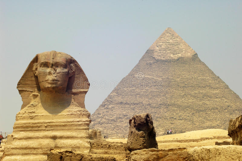 Sphynx e pirâmide imagens de stock