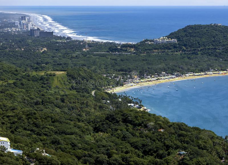 Spiagge vicino alla città di Acapulco - il Messico fotografie stock