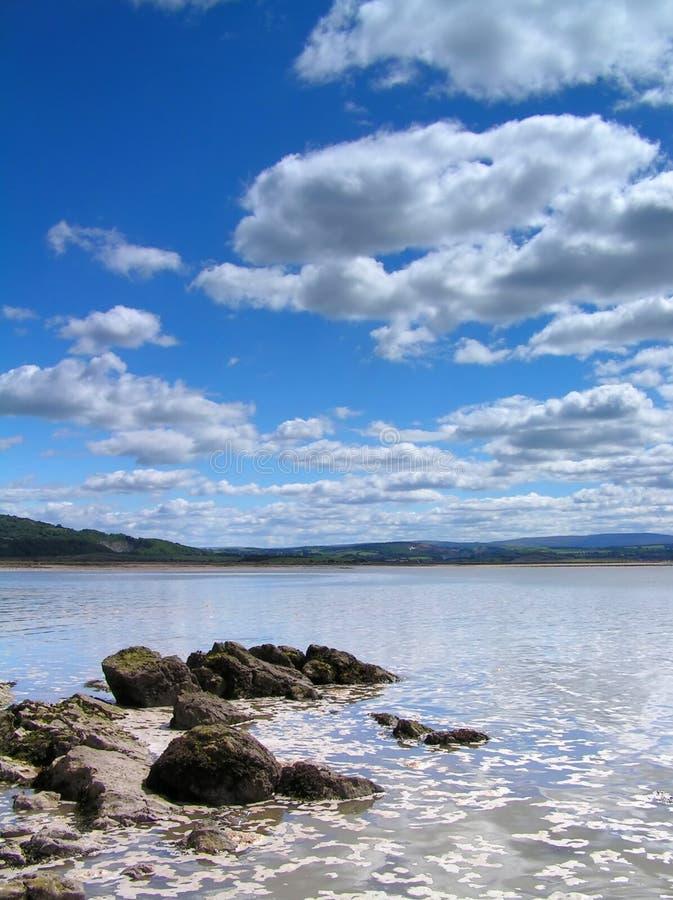 Download Spiaggia immagine stock. Immagine di mare, spiaggia, nubi - 208427