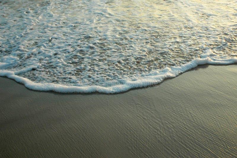 Download Spiaggia immagine stock. Immagine di distendasi, brown - 210585