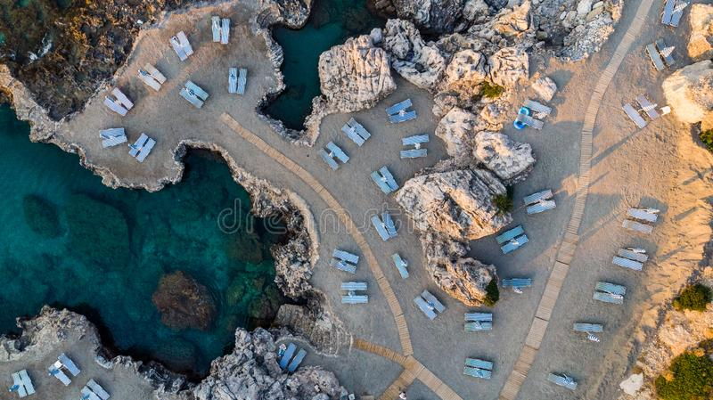 Spiaggia ad alba, Rhodes Greek Island, vista aerea fotografia stock