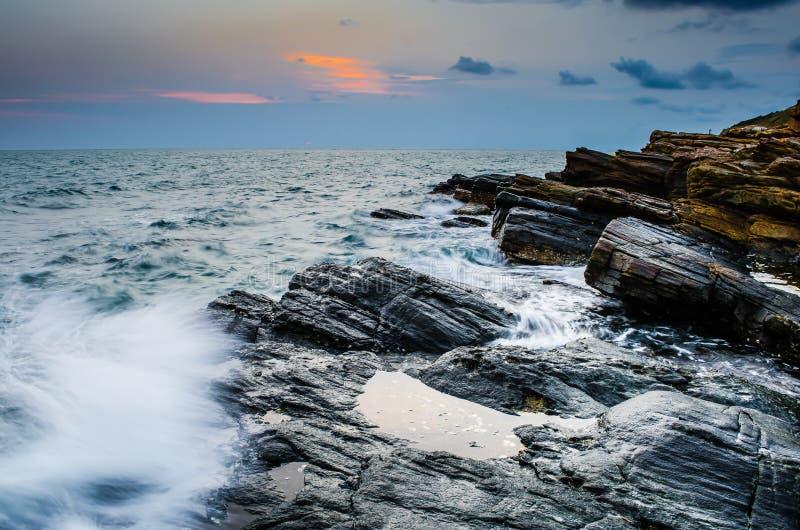 Spiaggia al tramonto immagini stock