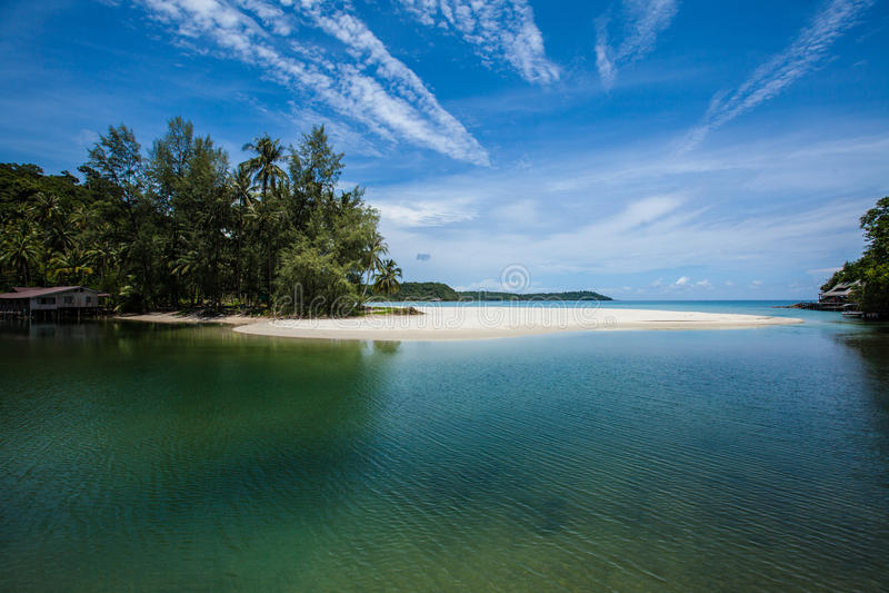 Spiaggia bianca di paradiso della sabbia fotografia stock