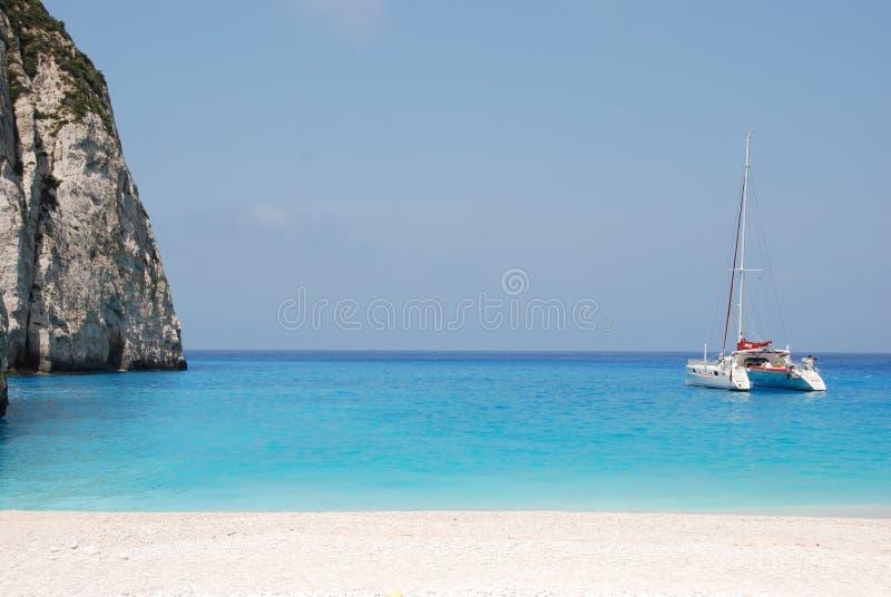 Spiaggia blu Grecia del mare dell'isola della Zacinto - di Navagio immagini stock libere da diritti