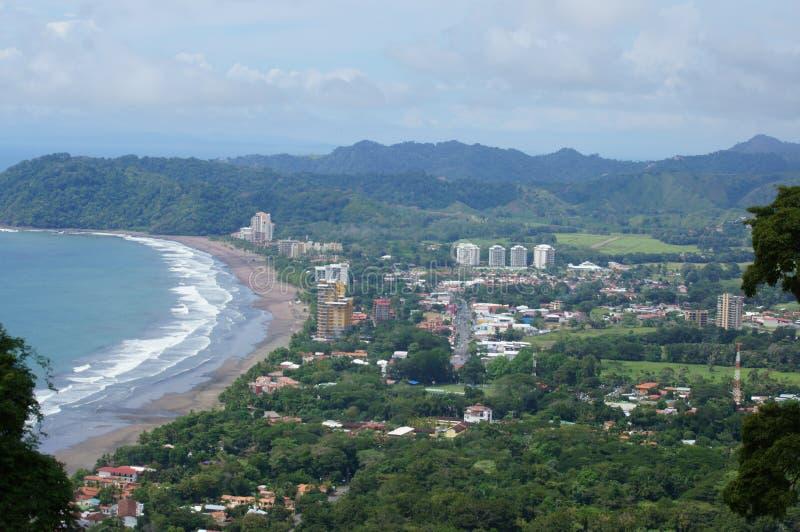 Spiaggia che pratica il surfing Jaco Costa Rica immagine stock