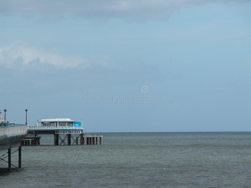 Spiaggia, cielo blu fotografia stock