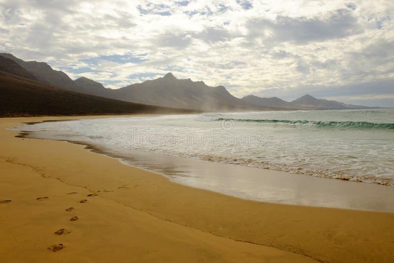 Spiaggia Cofete su Fuerteventura, Spagna immagini stock libere da diritti