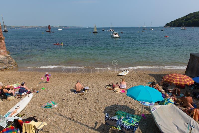 Spiaggia Cornovaglia Inghilterra Regno Unito di Kingsand sulla penisola di Rame che trascura il suono di Plymouth