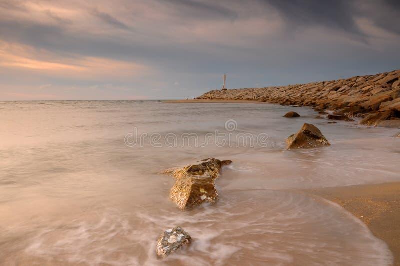 Spiaggia crepuscolare di Senok dell'atmosfera a Bachok immagine stock