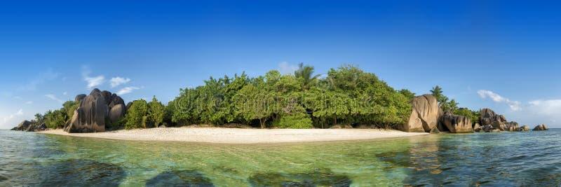 Spiaggia d'Argent di fonte di Anse sull'isola di Digue della La in Seychelles fotografia stock