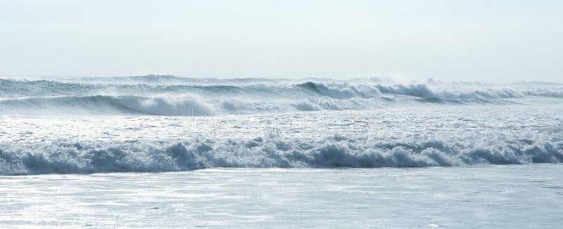 Spiaggia d'arresto bali Indonesia di kuta delle onde fotografia stock libera da diritti