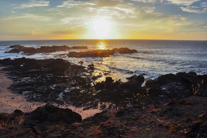 Spiaggia da entrambi i lati, penisola di Nicoya, Costa Rica di San Juanillo fotografia stock libera da diritti