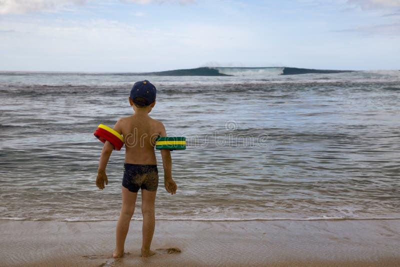 Spiaggia del bambino fotografie stock