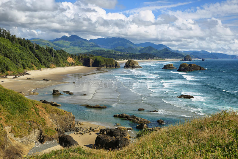 Spiaggia del cannone nell'Oregon fotografia stock libera da diritti
