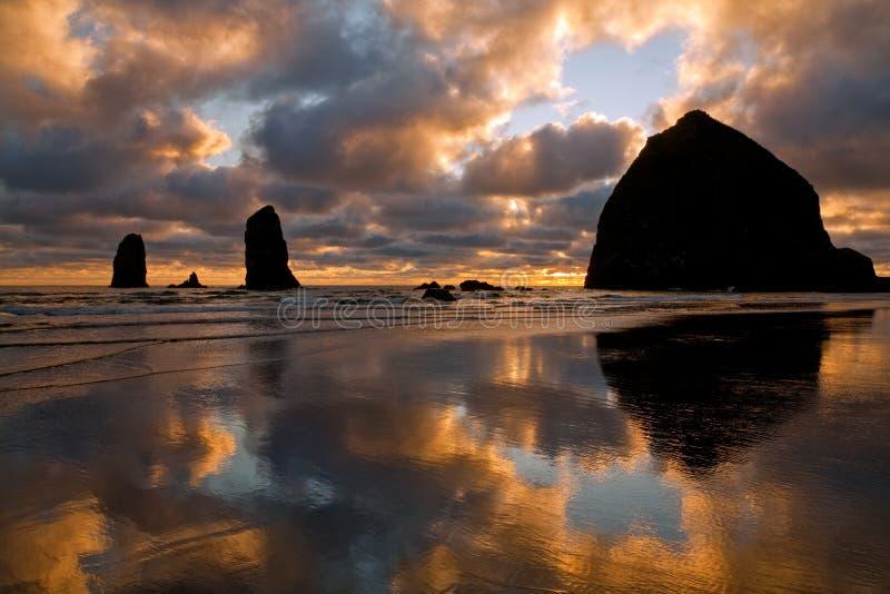 Spiaggia del cannone, Oregon fotografia stock