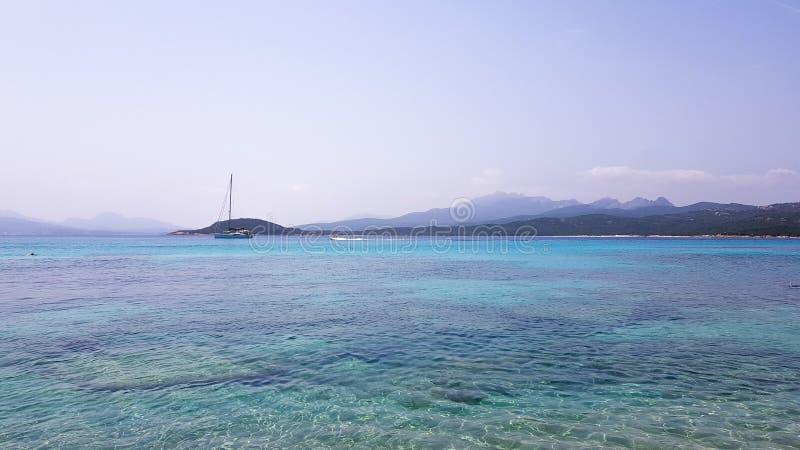 Spiaggia del Grande Pevero, une plage dans la côte du nord de la Sardaigne photo libre de droits