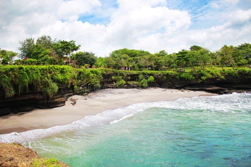 Spiaggia del lotto di Tanah fotografie stock