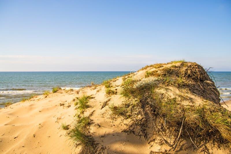 Spiaggia del Mar Baltico con le dune fotografia stock libera da diritti