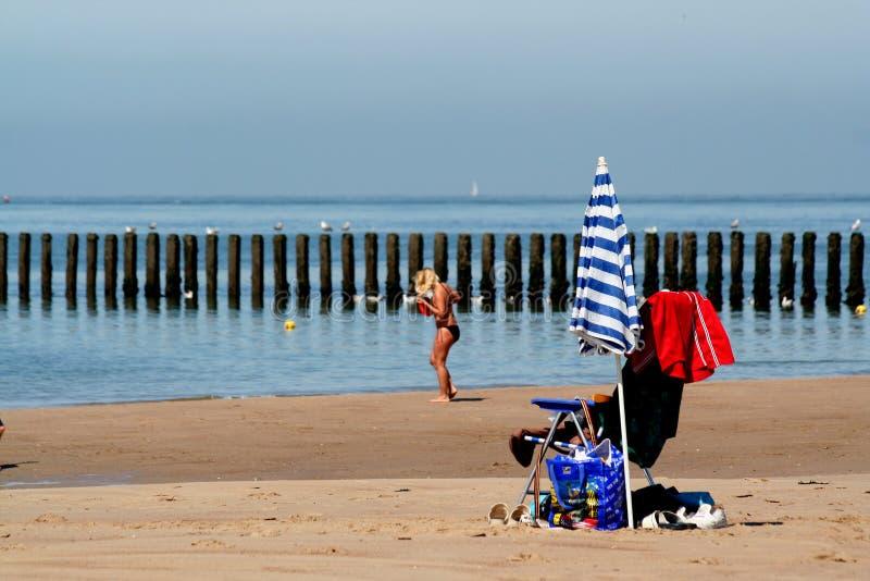 Spiaggia del Mare del Nord e durata della spiaggia di Westkapelle immagini stock libere da diritti