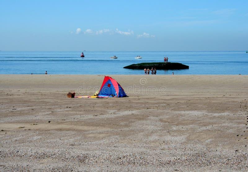 Spiaggia del Mare del Nord e durata della spiaggia di Westkapelle fotografie stock
