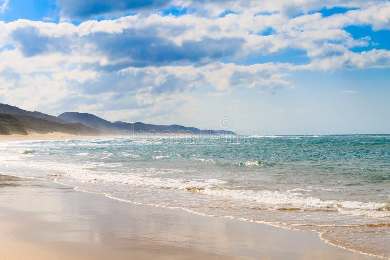 Spiaggia del parco della zona umida di Isimangaliso, Sudafrica fotografie stock