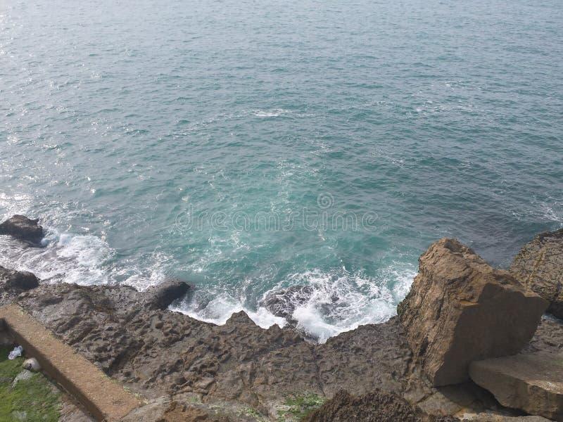 Spiaggia del Portogallo Ericeira fotografia stock libera da diritti