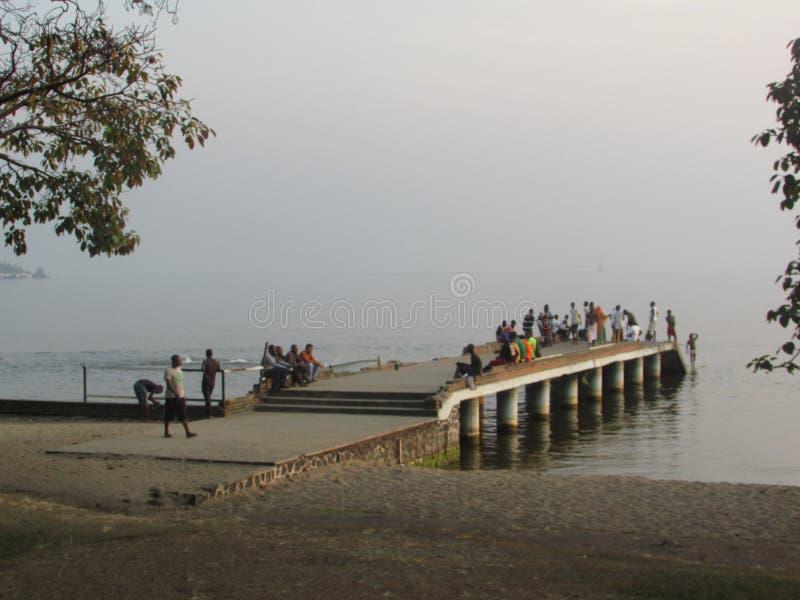 Spiaggia del pubblico del lago Kivu fotografia stock libera da diritti