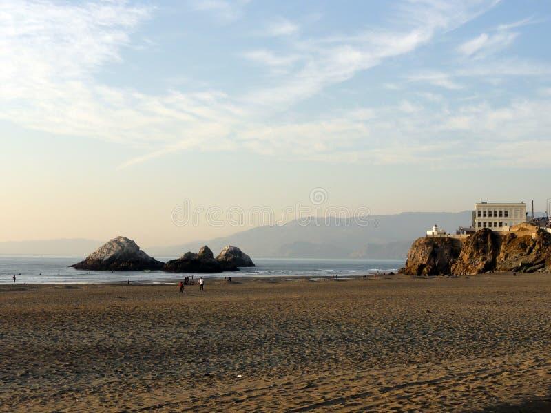 Spiaggia dell'oceano a San Francisco fotografie stock libere da diritti