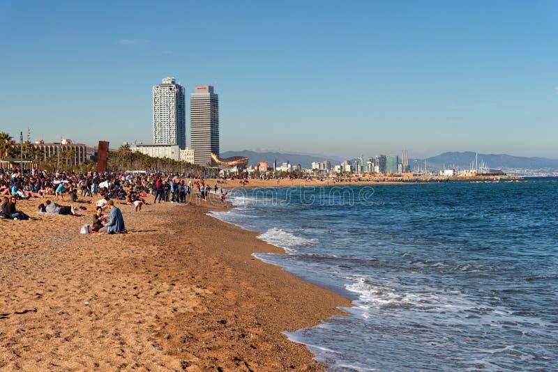 Spiaggia della città di Barcellona, area di Barceloneta fotografia stock
