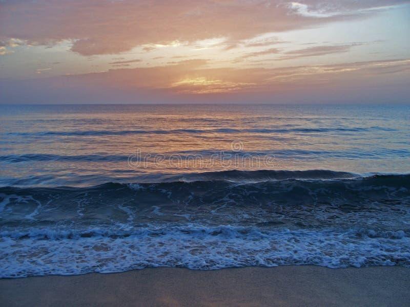 Spiaggia della Costa Est della Florida all'alba 4 fotografia stock libera da diritti