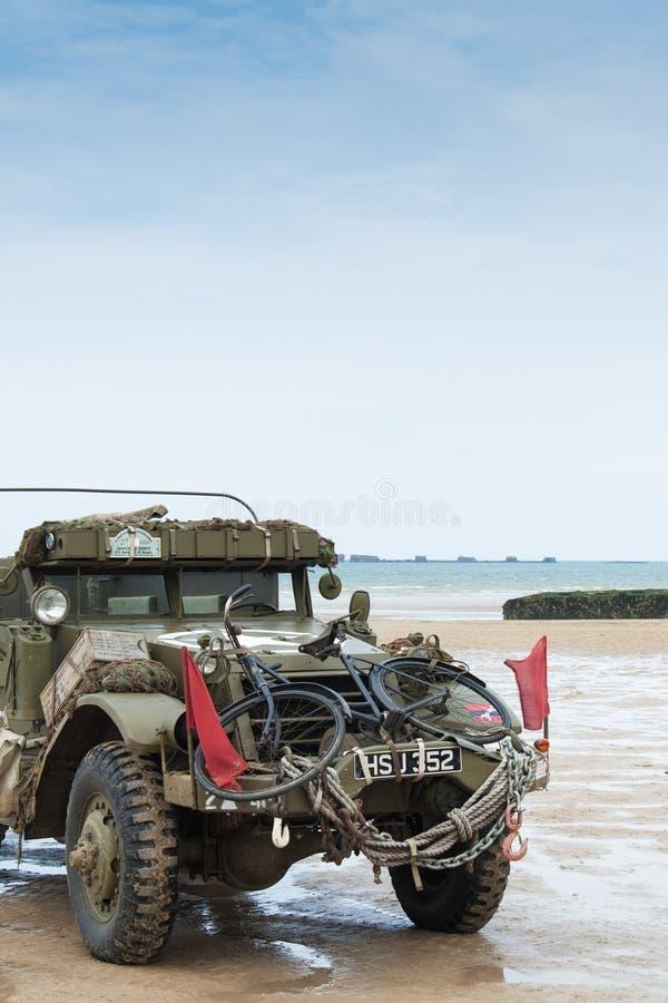 Spiaggia della Normandia sull'anniversario di d-day immagine stock