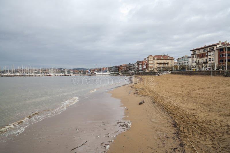 Spiaggia delle arene di Las di Getxo, Paese Basco, Spagna fotografia stock libera da diritti