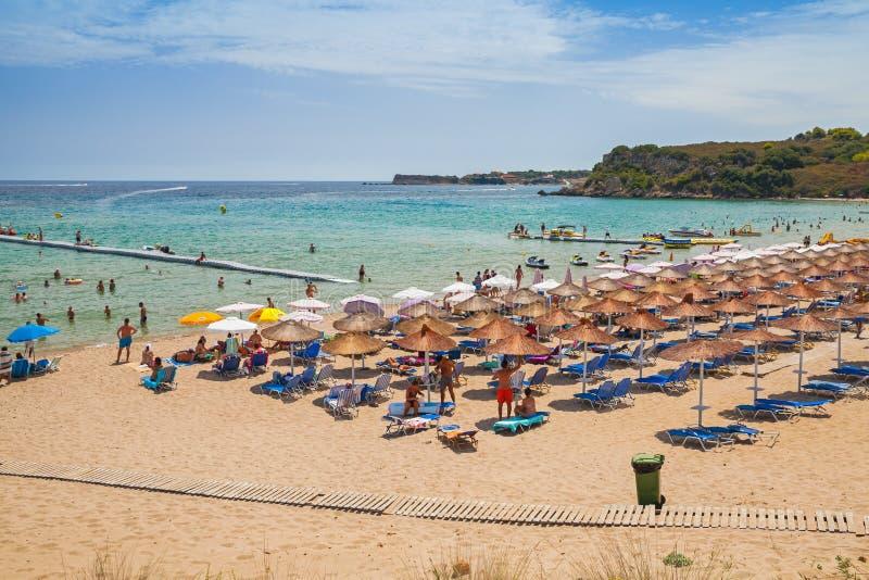 Spiaggia di Agios Nikolaos, isola greca Zacinto fotografie stock