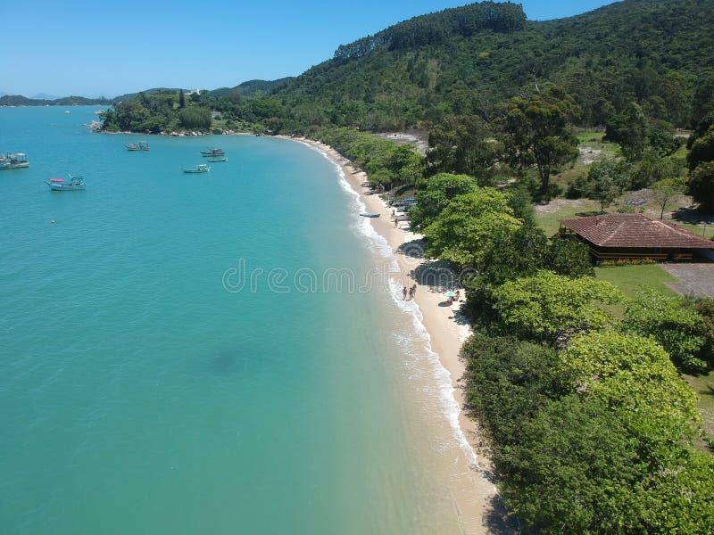 Spiaggia di AntÃ'nio Correa - Sc di Governador Celso Ramos fotografia stock libera da diritti