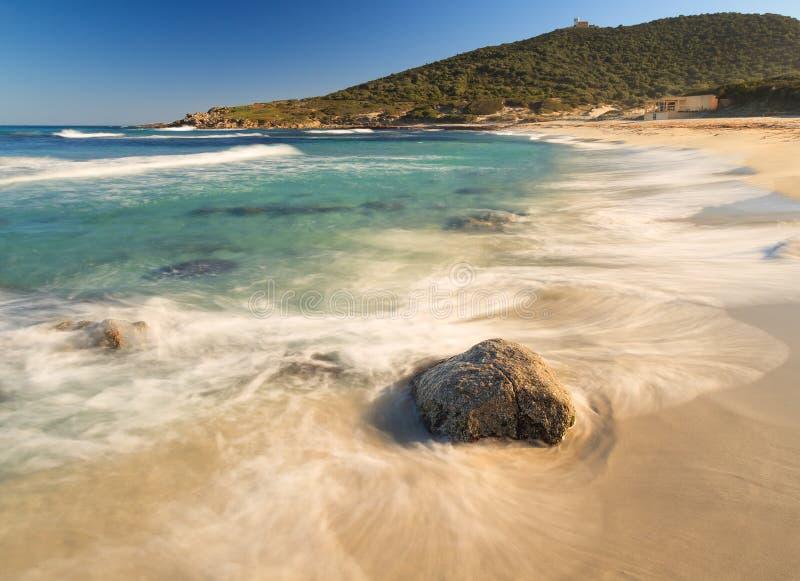 Spiaggia di Bodri vicino a Ile Ruse in Corsica fotografia stock libera da diritti