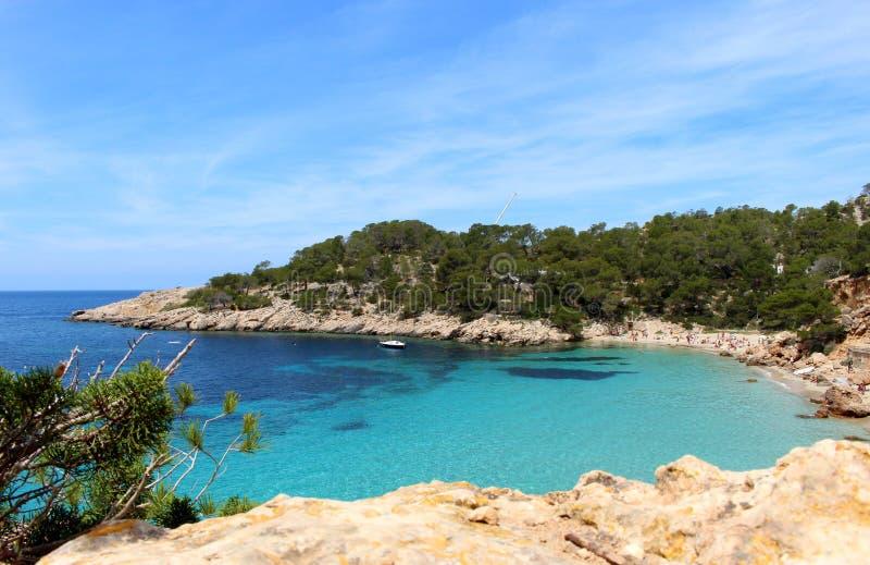 Spiaggia di Cala Salada, San Antonio, Ibiza fotografia stock