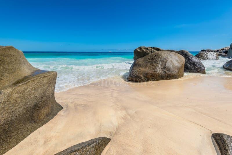 Spiaggia di Carana - immagine di Mahe Island, Seychelles fotografia stock