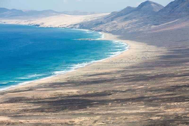 Spiaggia di Cofete, vista dalla penisola di Jandia, Fuerteventura, immagine stock libera da diritti