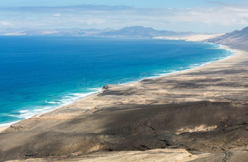 Spiaggia di Cofete, vista dalla penisola di Jandia, Fuerteventura fotografie stock libere da diritti