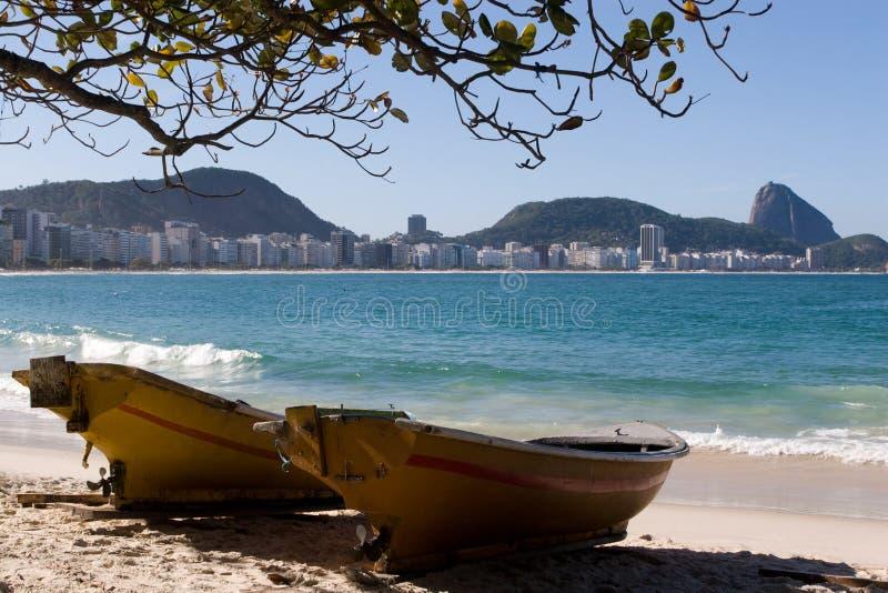 Spiaggia di Copacabana e pagnotta di zucchero fotografia stock