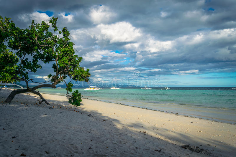Spiaggia di Dumaluan - di Panglao immagini stock