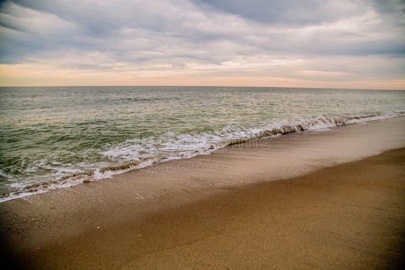 Spiaggia di Edisto al tramonto immagini stock